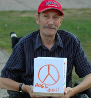 Aug. 6, 2011: Nick Ternette at the annual Lanterns for Peace ceremony in Winnipeg. Photo: Paul S. Graham