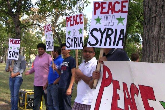 Winnipeg, Sept. 7: Winnipeggers demonstrate for peace in Syria. Photo: Paul S. Graham